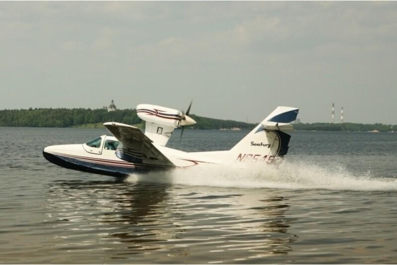 Mokomasis pažintinis skrydis lėktuvu amfibija virš Kauno marių