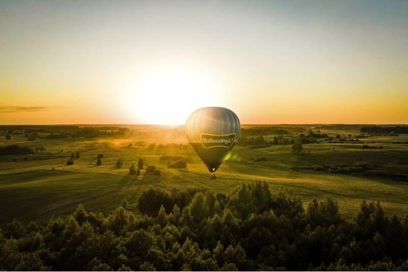 """Rytinis skrydis oro balionu Vilniuje arba Trakuose su """"Oreivystės centru"""""""