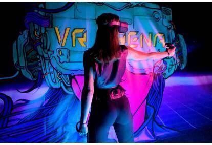Žaidimas virtualios realybės arenoje Vilniuje