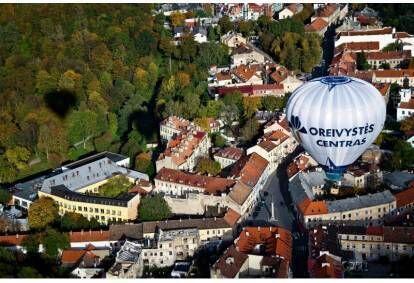 Privatus skrydis oro balionu dviem virš pasirinkto miesto