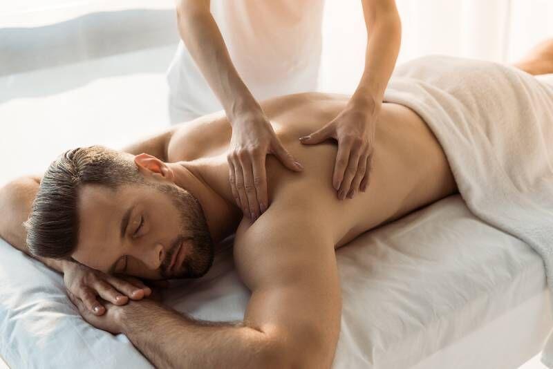 Sportinis viso kūno masažas vyrams Vilniuje
