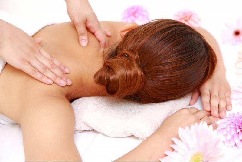 """Terapinis nugaros masažas salone """"Gydančios rankos"""" Klaipėdoje"""