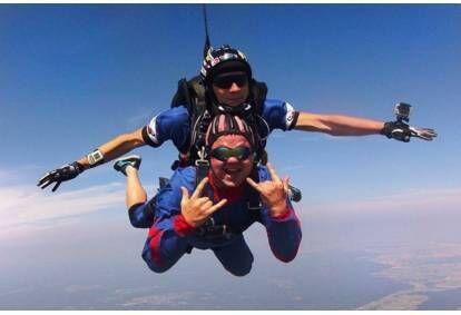 Šuolis dviviečiu parašiutu su instruktoriumi Sasnavos aerodrome Marijampolėje