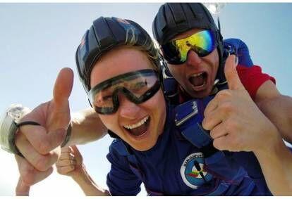 Tandem šuolis parašiutu su filmavimu Sasnavos aerodrome Marijampolėje