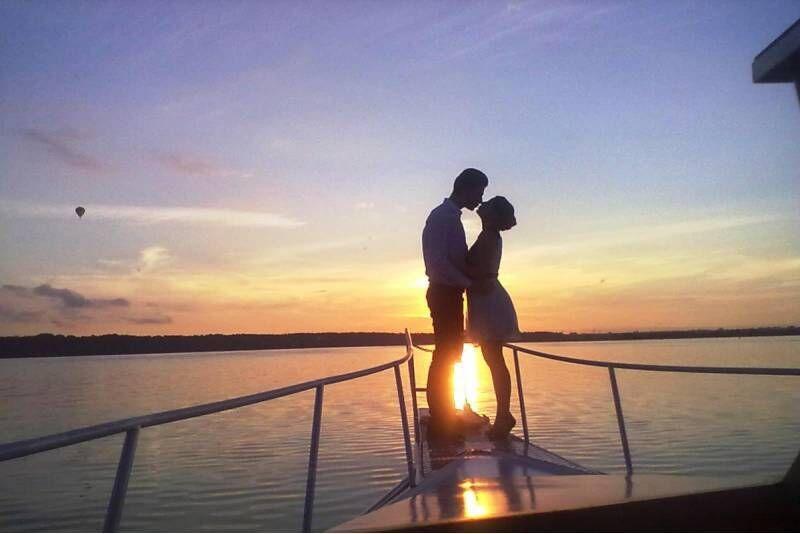 """Saulės palydėjimas Kauno mariose laivu """"Viktoria"""""""