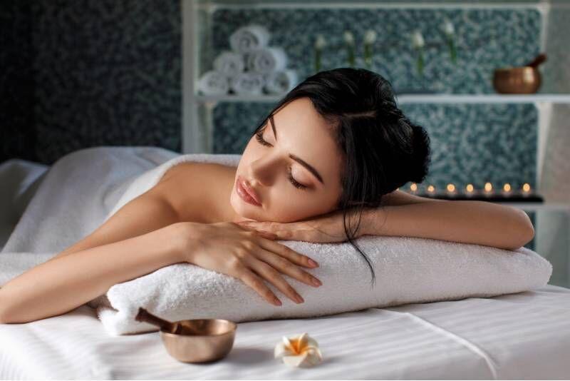"""Atpalaiduojanti jūros mineralų terapija masažo namuose """"Azia Spa"""""""