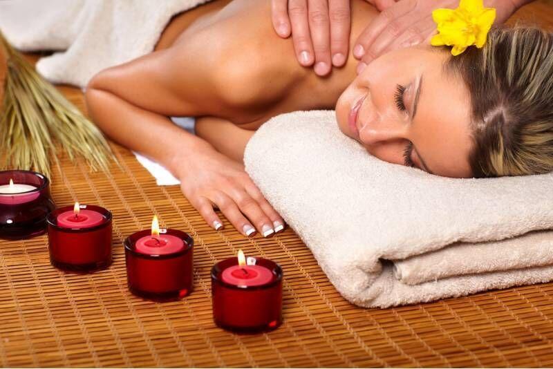 """Aromaterapinis viso kūno masažas """"Harmony SPA"""" centre Telšiuose"""