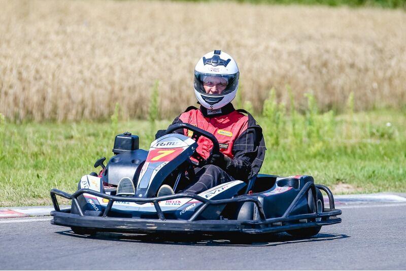 """Pasivažinėjimas kartingu vienam """"Speedway Xtreme"""" kartodrome Aukštadvaryje"""