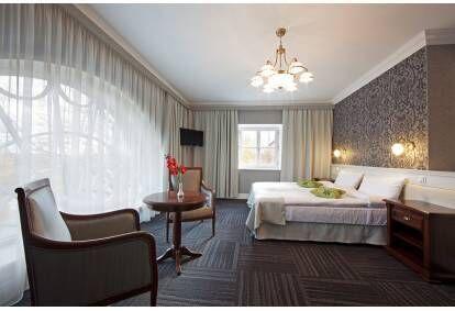 Nakšņošana Skrundas muižas viesnīcas Dizaina numurā 2 personām
